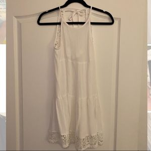 Super cute Kendall and Kylie white dress